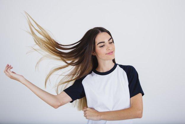 החלקת שיער בקלות וללא גרימת נזק