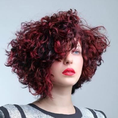 טרנדים בעיצוב שיער – ממה הם מושפעים?